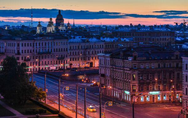 Vue du centre-ville et de la cathédrale Saint-Nicolas des Marins de Saint-Pétersbourg - Sputnik France