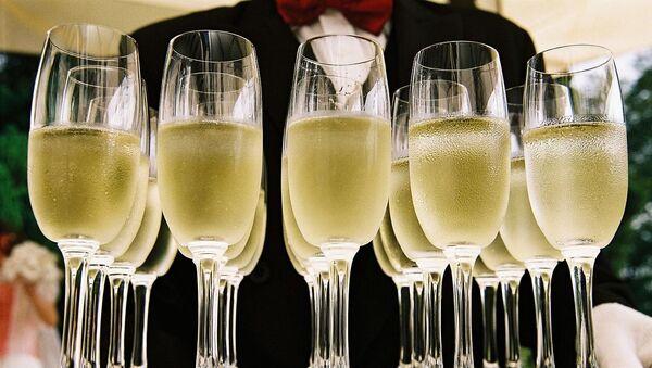 Des flûtes de champagne - Sputnik France