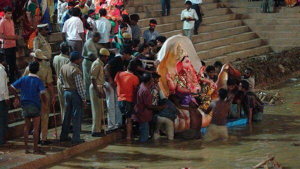 Immersions de Ganesh, près du Sankey Tank, à Bangalore - Sputnik France