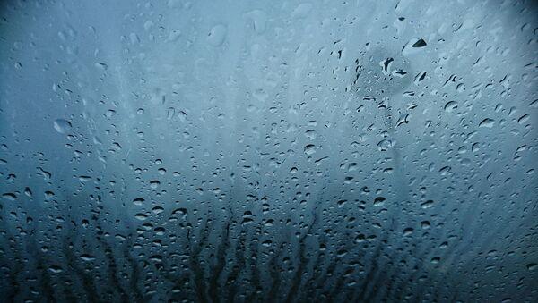 De l'eau sur une vitre - Sputnik France