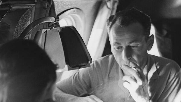 Fumer dans l'avion? - Sputnik France