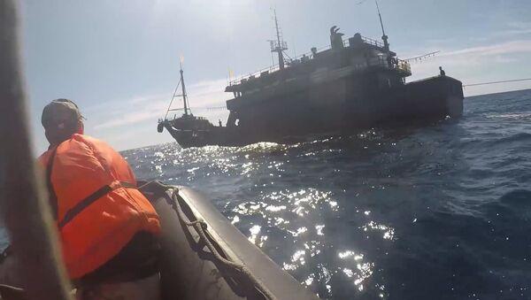 Des braconniers nord-coréens dans les eaux russes de la mer du Japon (17 septembre 2019) - Sputnik France
