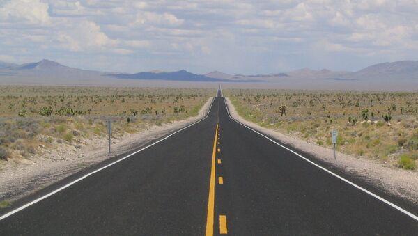 La State Route 375 («Route extraterrestre»)  près de la zone 51 dans le Nevada - Sputnik France