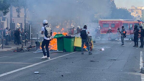 La marche pour le climat rejointe par les Gilets jaunes se tient à Paris - Sputnik France