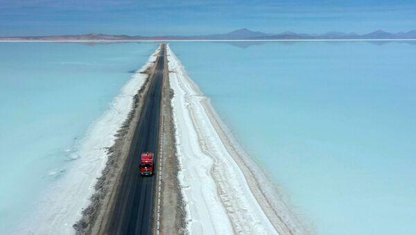 Paysages terrestres ou extraterrestres? L'extraction du lithium en Bolivie  - Sputnik France