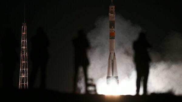 Décollage du vaisseau Soyouz MS-15 vers l'ISS - Sputnik France