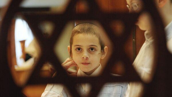 Церемония благословения солнца в Московском еврейском центре - Sputnik France