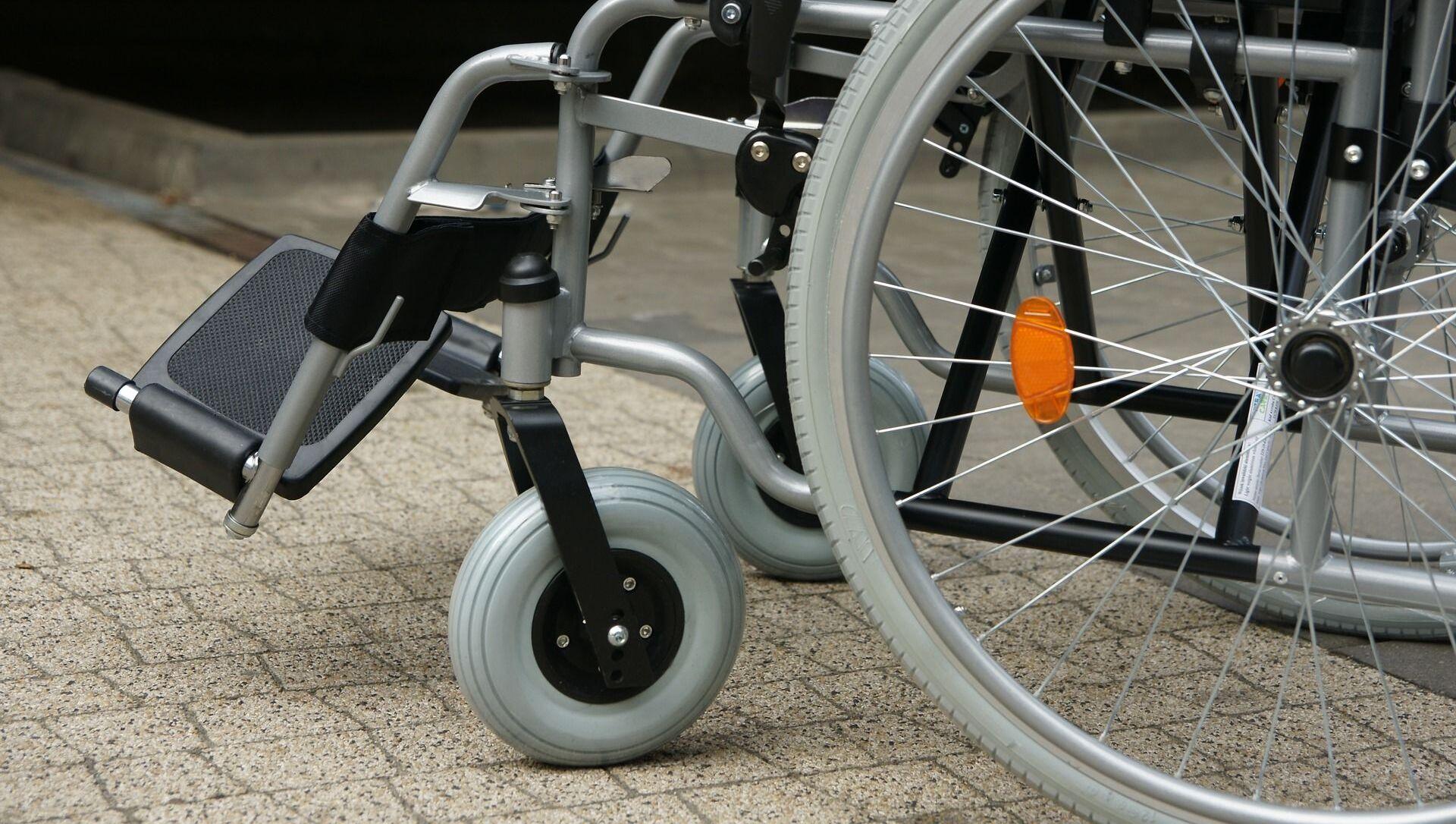 un fauteuil roulant - Sputnik France, 1920, 28.07.2021