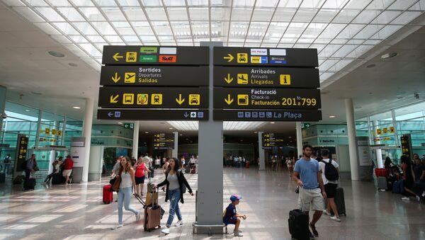 A l'aéroport de Barcelone - Sputnik France