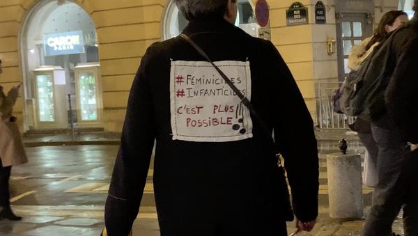 Action militantes féministes #NousToutes - Sputnik France