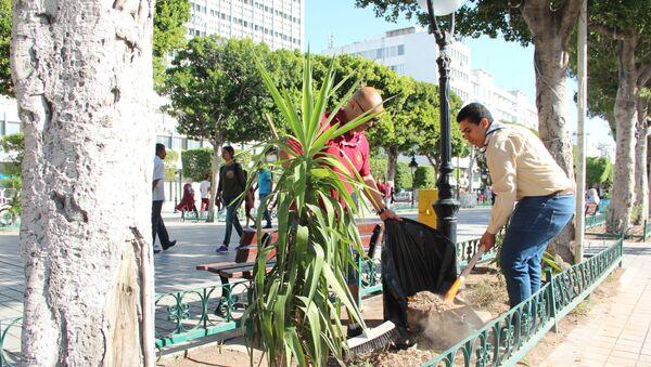 Opération nettoyage dans le centre-ville de Tunis - Sputnik France