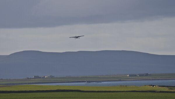 Un avion décolle de Papa Westray (archive photo) - Sputnik France