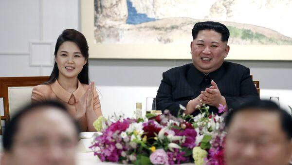 Kim Jong-un et son épouse Ri Sol-ju - Sputnik France