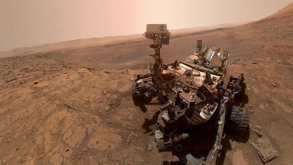 Le rover Curiosity prend un selfie, 11 octobre 2019 - Sputnik France