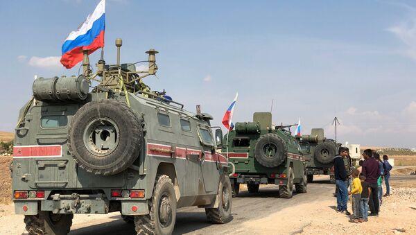 Des blindés de la police militaire russe non loin de Kobané, à la frontière syro-turque - Sputnik France