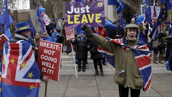 Des pro- et des anti-Brexit manifestent à Londres  - Sputnik France