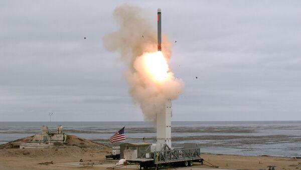 Un test d'un missile de moyenne portée américain - Sputnik France