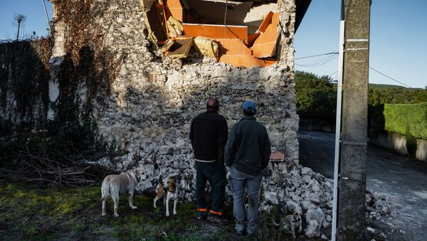 Un séisme a détruit 30 maisons dans une commune du sud-est de la France  - Sputnik France