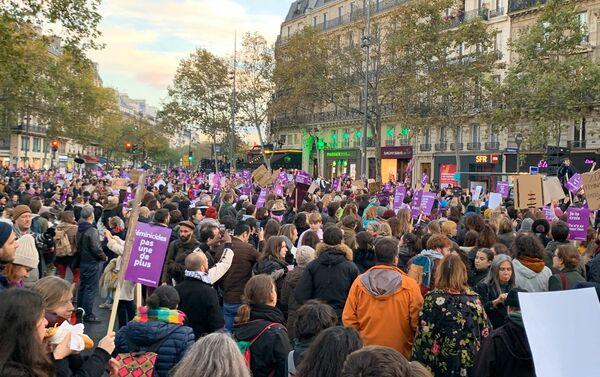#NousToutes: les femmes réunies à Paris contre les violences sexuelles et sexistes, le 23 novembre 2019 - Sputnik France