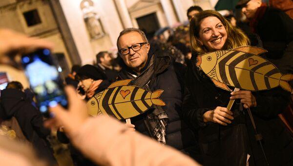 Les Sardines protestent - Sputnik France