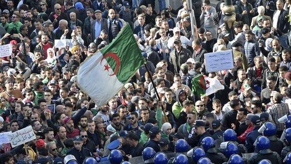 Une manifestation anti-élection à Alger, 11 décembre 2019 - Sputnik France