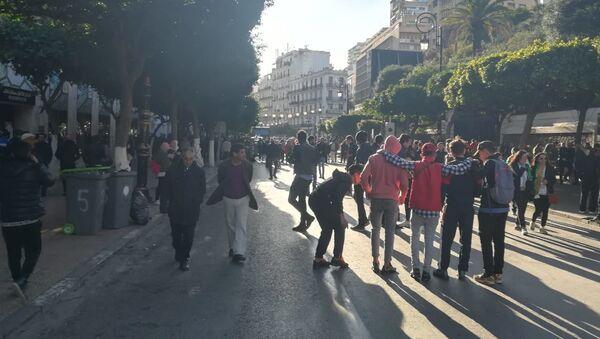 Manifestation du Hirak à Alger - Sputnik France