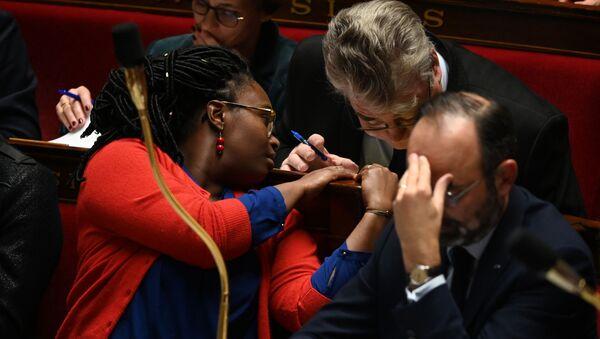 Le Premier ministre Édouard Philippe, le haut-commissaire aux retraites Jean-Paul Delevoye et la porte-parole du gouvernement Sibeth NDiaye. - Sputnik France