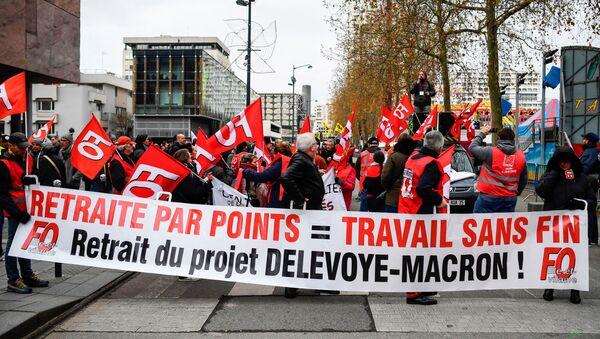 Des manifestants à Rennes, le 10 décembre 2019 - Sputnik France