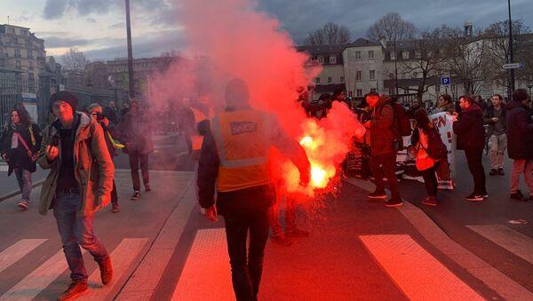 Manifestation contre la réforme des retraites à Paris, 19 décembre 2019 - Sputnik France