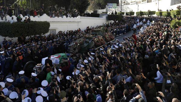 Funérailles d'Ahmed Gaïd Salah à Alger - Sputnik France