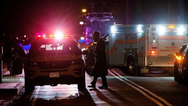 Attaque à l'arme blanche dans une synagogue près de New York - Sputnik France