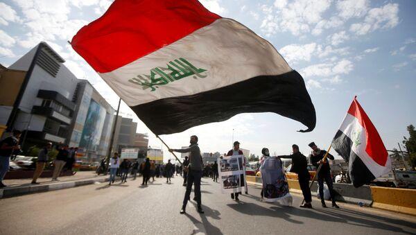 Des étudiants universitaires assistent à une manifestation contre les interventions des États-Unis et de l'Iran, à Bassora - Sputnik France