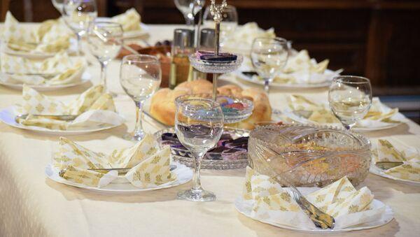 Une table dressée  - Sputnik France