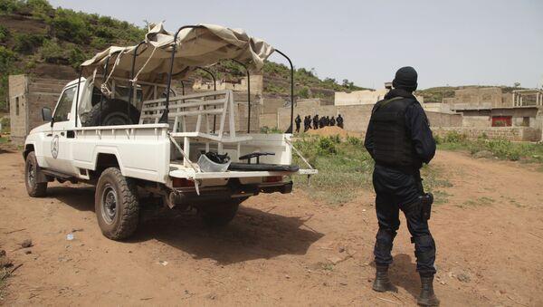 Un policier devant le Campement Kangaba, un hôtel de luxe près de Bamako, au Mali - Sputnik France