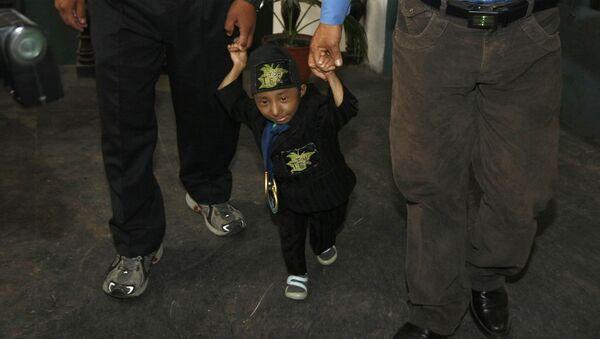 Le plus petit homme du monde qui pouvait marcher, le Népalais Khagendra Thapa Magar - Sputnik France