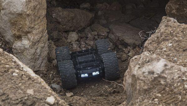 Le robot démineur russe Scarabée en Syrie - Sputnik France