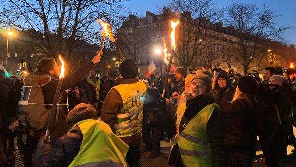 Marche aux flambeaux à Paris, le 23 janvier 2020 - Sputnik France