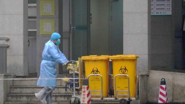 L'employé d'un hôpital à Wuhan - Sputnik France