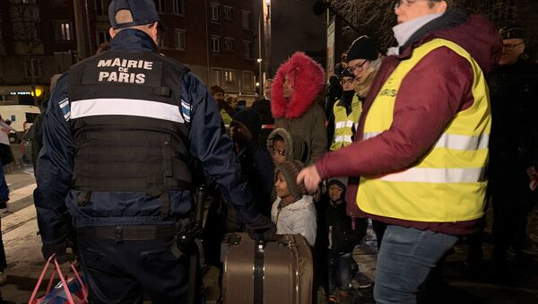 Évacuation d'un important camp de migrants à la porte d'Aubervilliers à Paris, 28.01.2020 - Sputnik France