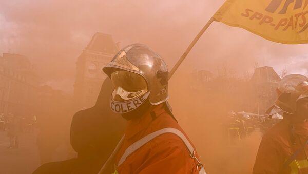 Manifestation des pompiers à Paris - Sputnik France