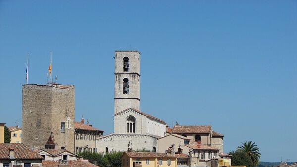 Vue de la vieille ville de Grasse avec son Donjon et sa cathédrale - Sputnik France