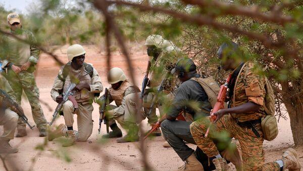 Entraînement de soldats burkinabè près de Ouagadougou. - Sputnik France