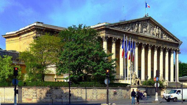 Le palais Bourbon vue du quai Anatole-France - Sputnik France