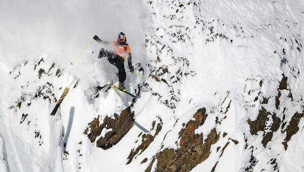 Канадский лыжник Логан Пехота во время соревнований по лыжным гонкам среди мужчин на втором этапе соревнований по лыжному спорту и сноуборду Freeride World Tour на курорте Kicking Horse Mountain, Канада  - Sputnik France