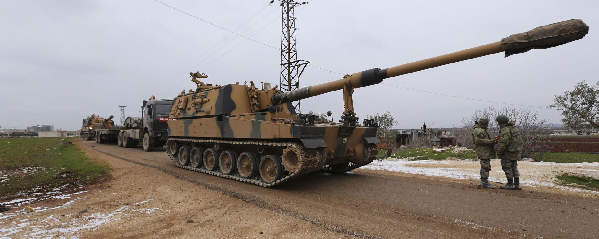 Un convoi militaire turc près de la ville d'Idlib, en Syrie, mercredi 12 février 2020 - Sputnik France, 1920, 13.09.2021