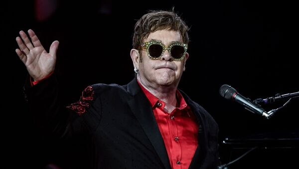 Британский певец Элтон Джон выступает в концертном зале Крокус Сити Холл в рамках мирового турне Wonderful Crazy Night Tour. - Sputnik France