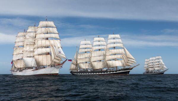 Les trois bateaux-êcoles russes, dans l'Atlantique sud - Sputnik France