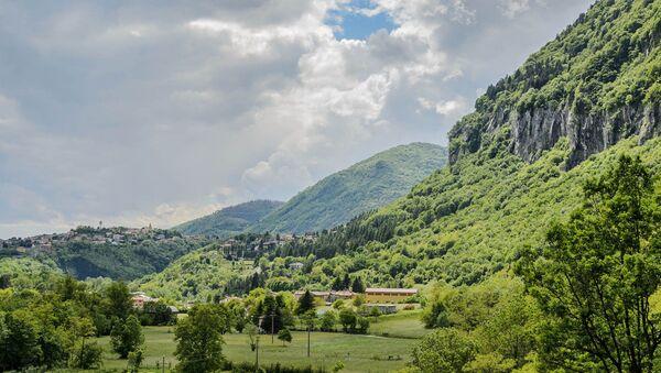 Vista da Scarenna, frazione del comune di Asso - Sputnik France