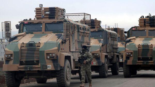 Des matériels de guerre turcs près d'Idlib, en Syrie  - Sputnik France