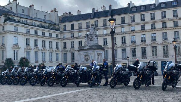 Des policiers dans les rues de Paris le 29 février 2020 - Sputnik France
